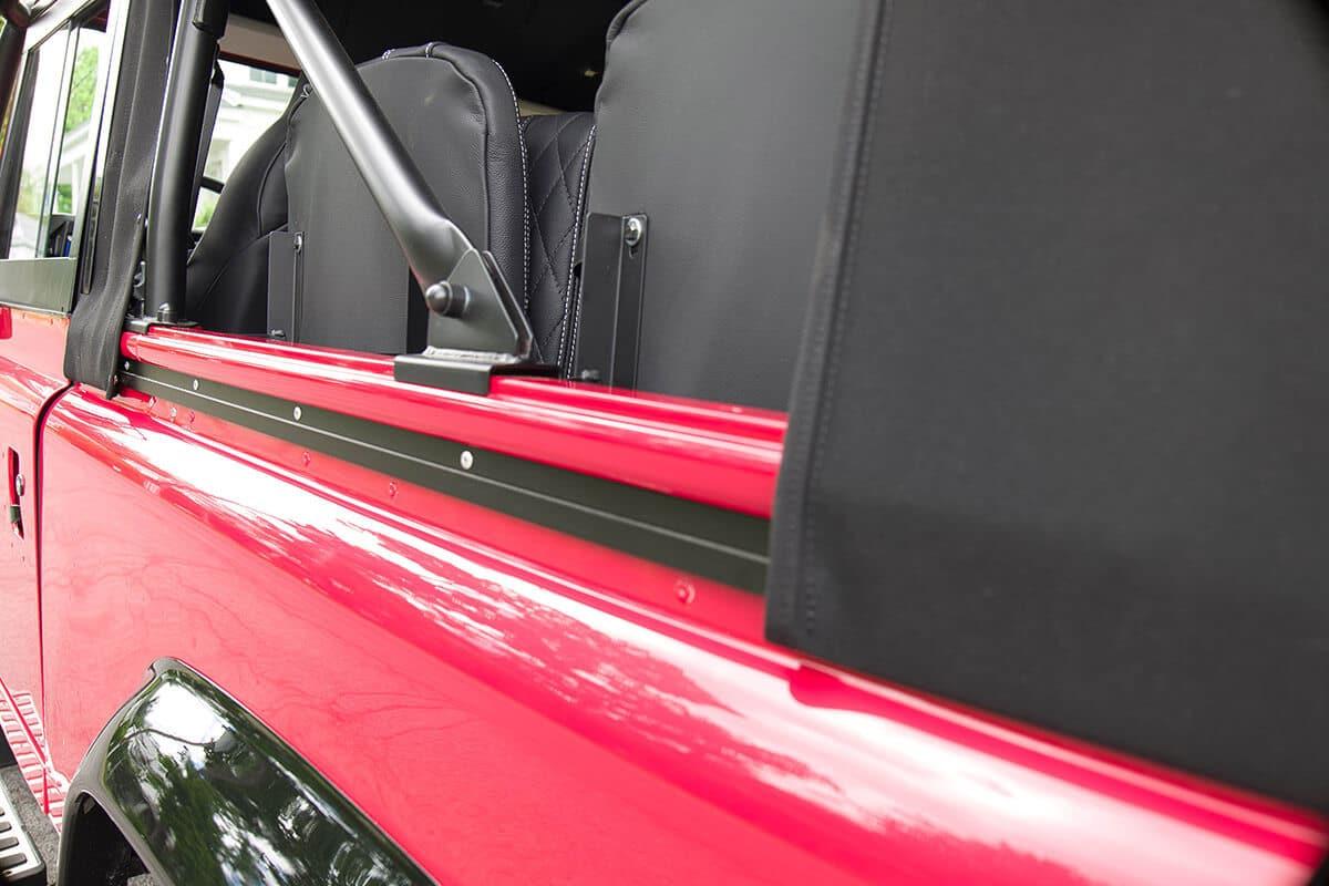 Land Rover Defender D90 Soft Top Detail