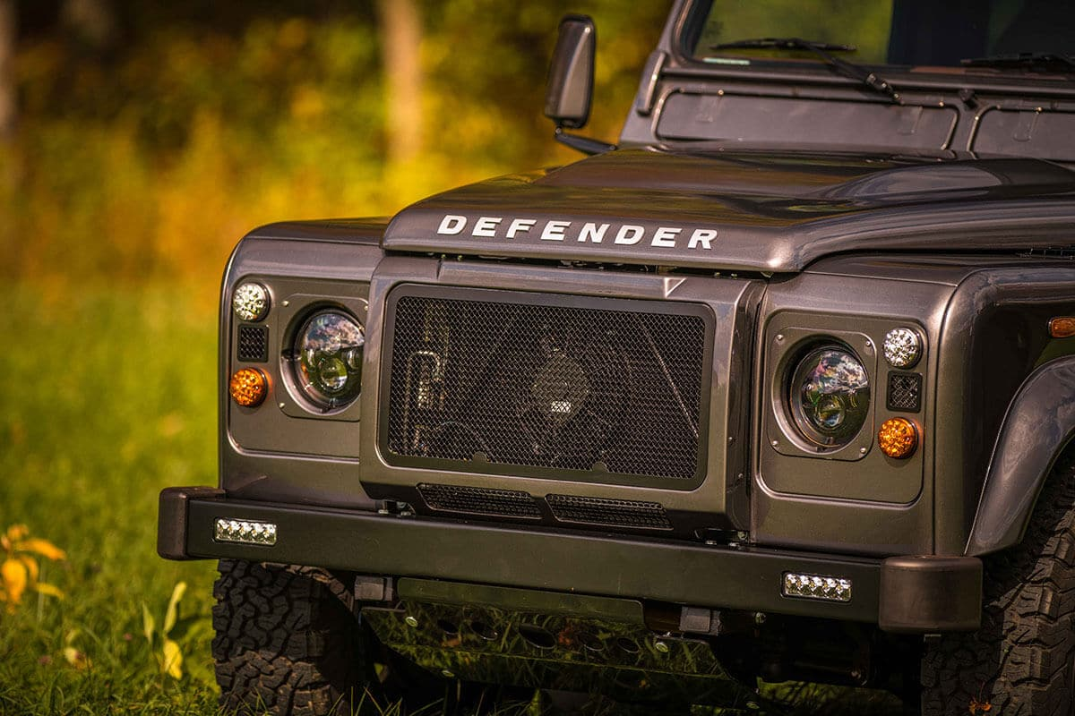 Land Rover Defender D90: Exterior Front Grill and Headlights