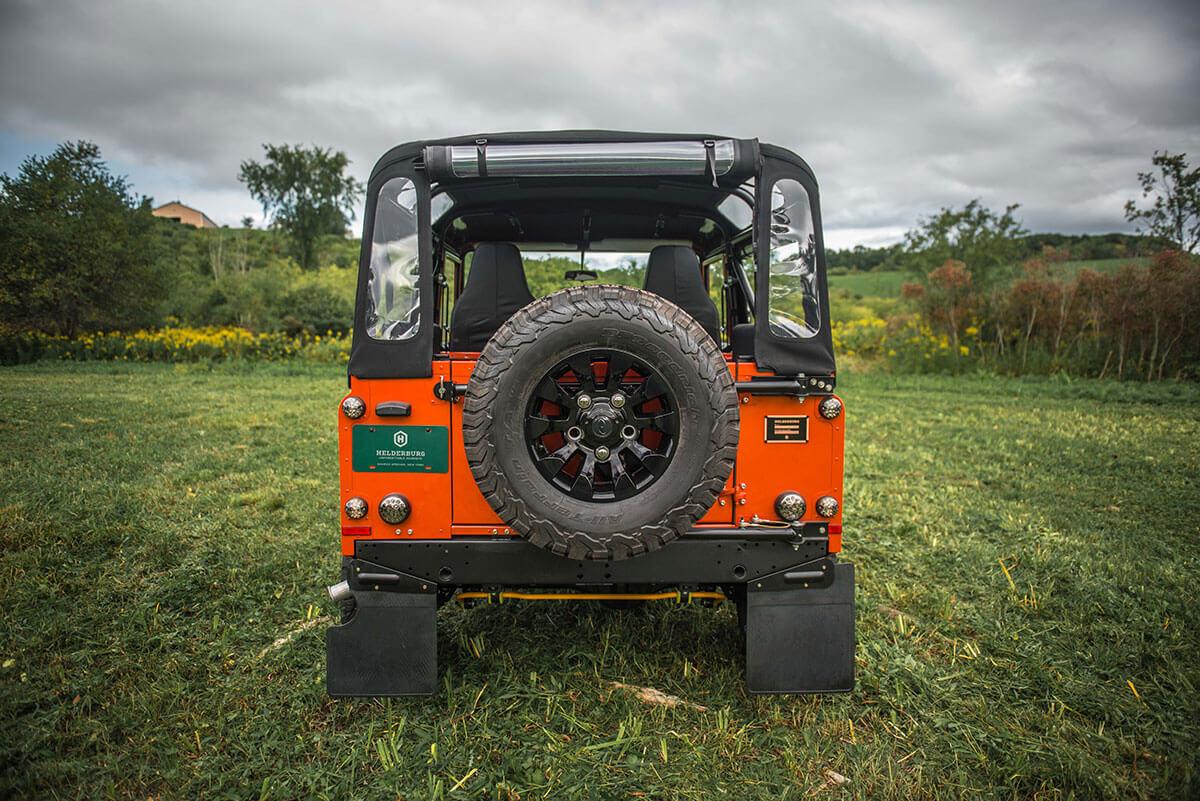 Land Rover Defender D90 Soft Top: Exterior Rear View