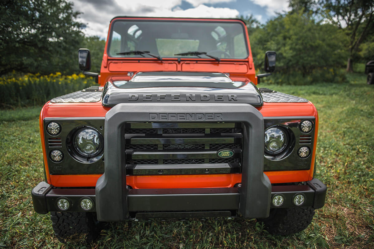 Land Rover Defender D90 Soft Top: Exterior Front View