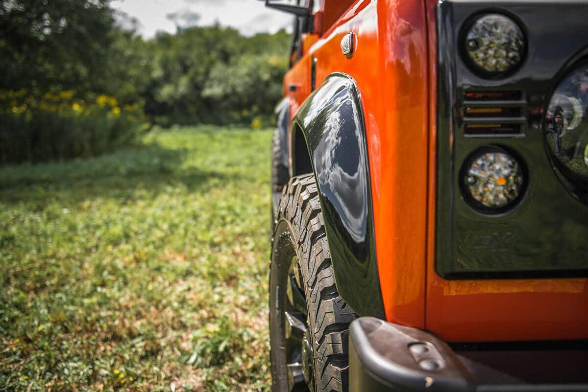 Land Rover Defender D90 Soft Top: Exterior Detail Partial