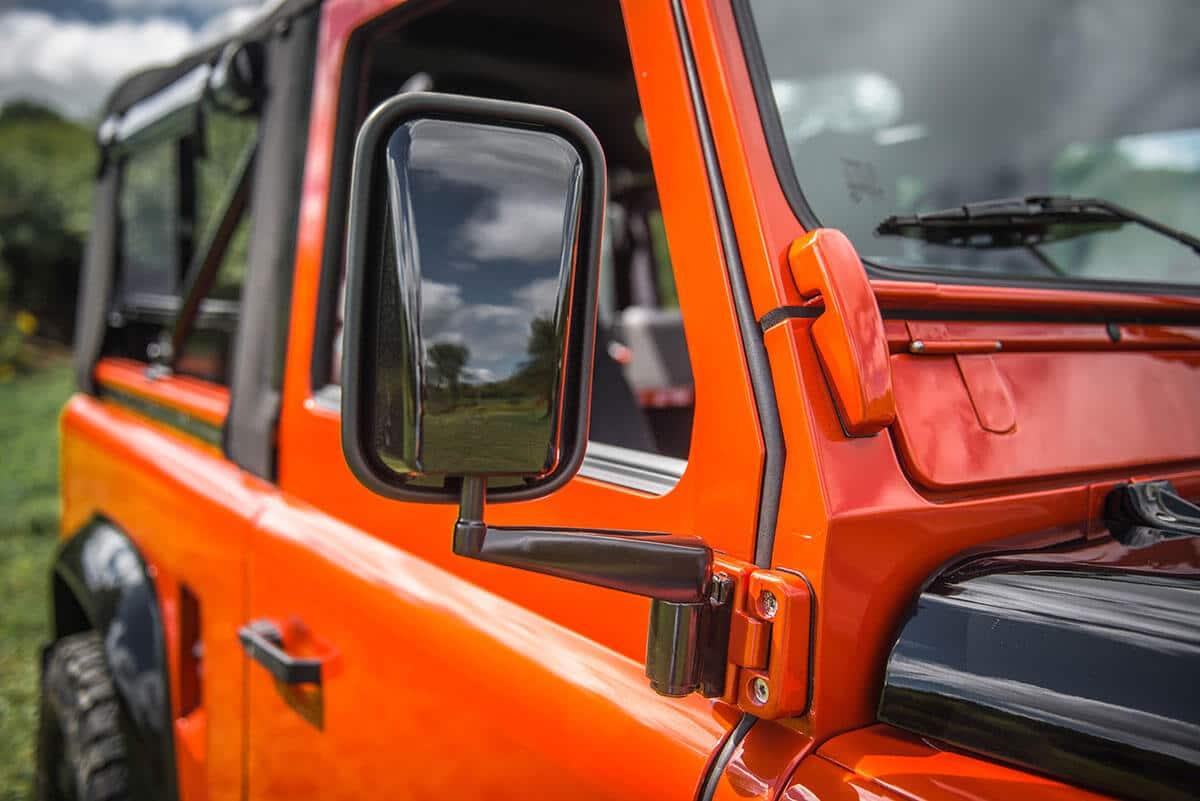 Land Rover Defender D90 Soft Top: Exterior Detail Mirror