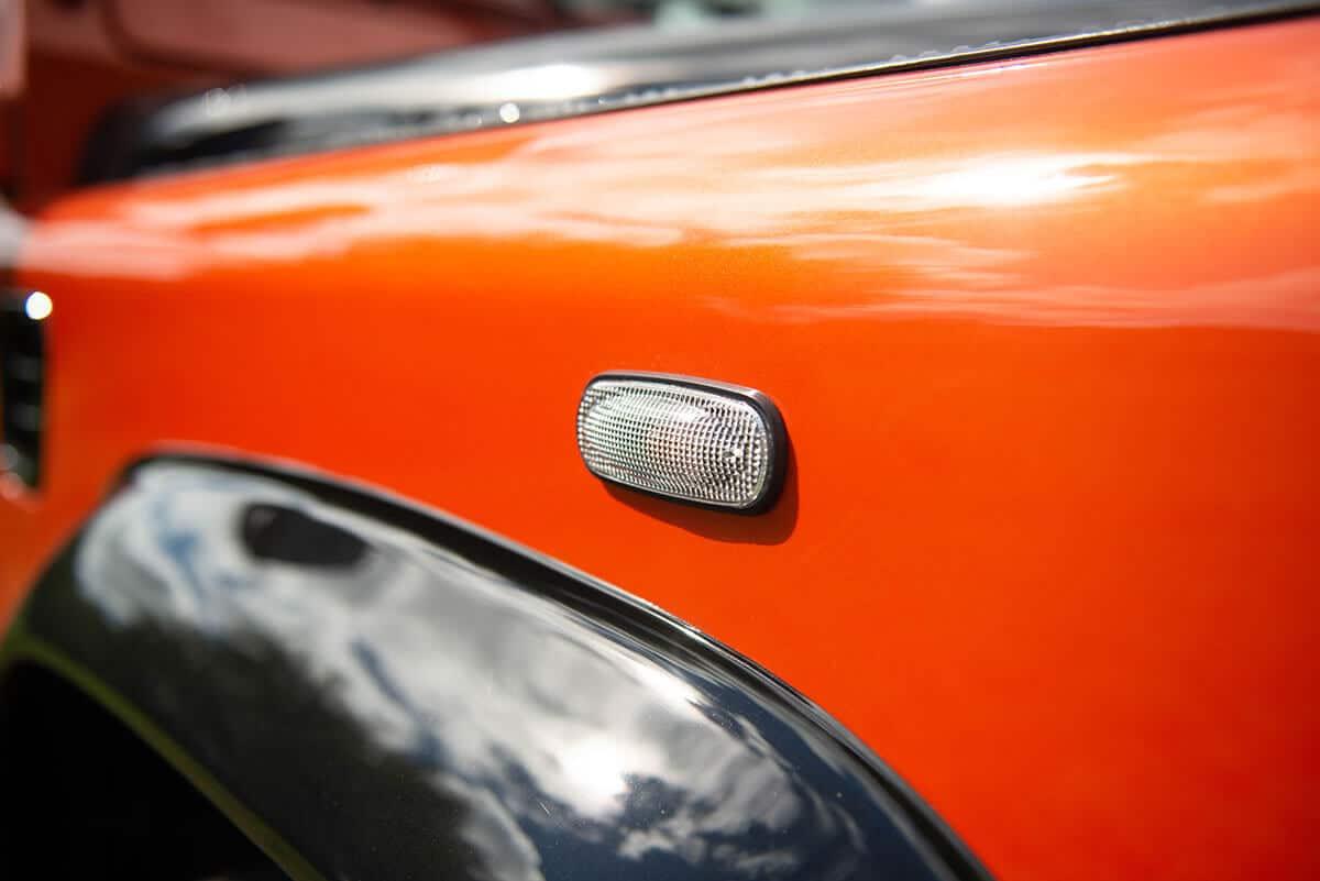 Land Rover Defender D90 Soft Top: Exterior Detail Marker Light