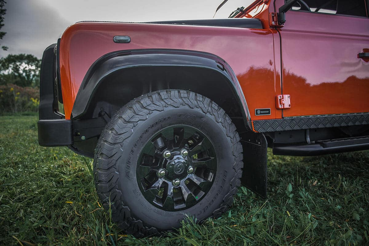 Land Rover Defender D90 Soft Top: Exterior Detail Wheel and Tire