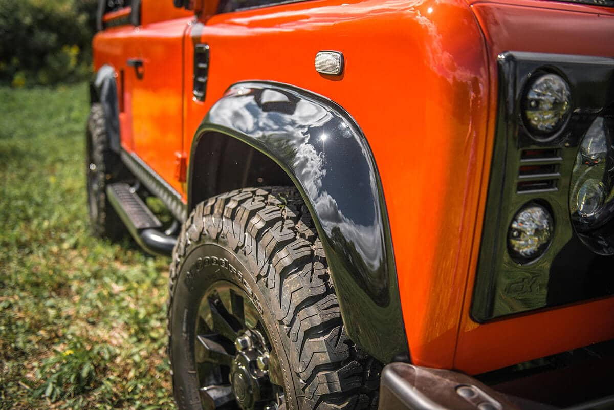 Land Rover Defender D90 Soft Top: Exterior Detail Wheel Arch