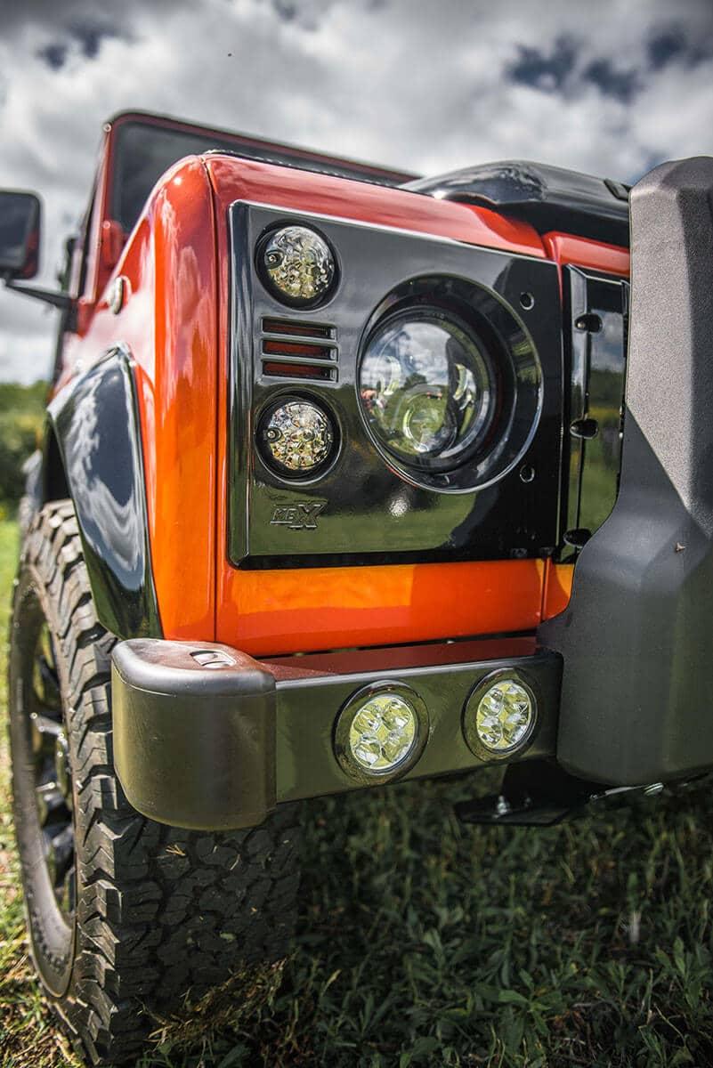 Land Rover Defender D90 Soft Top: Exterior Headlight