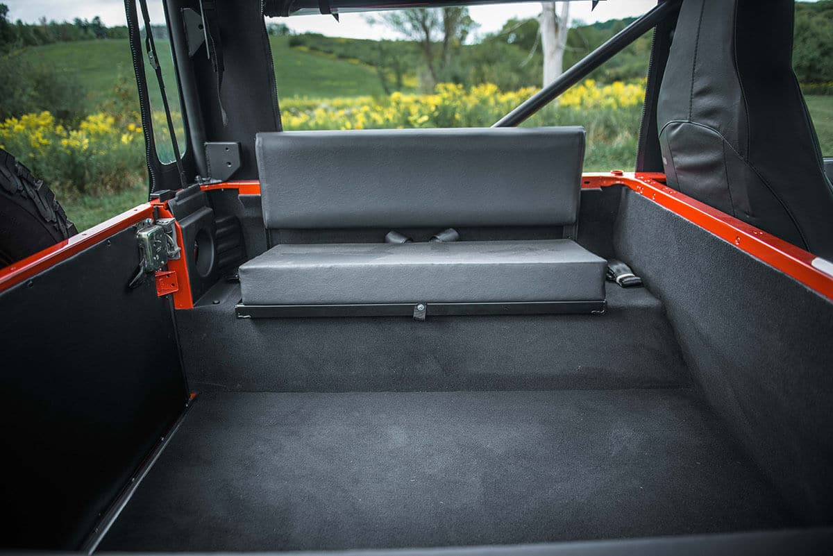 Land Rover Defender D90 Soft Top: Interior Rear Cabin