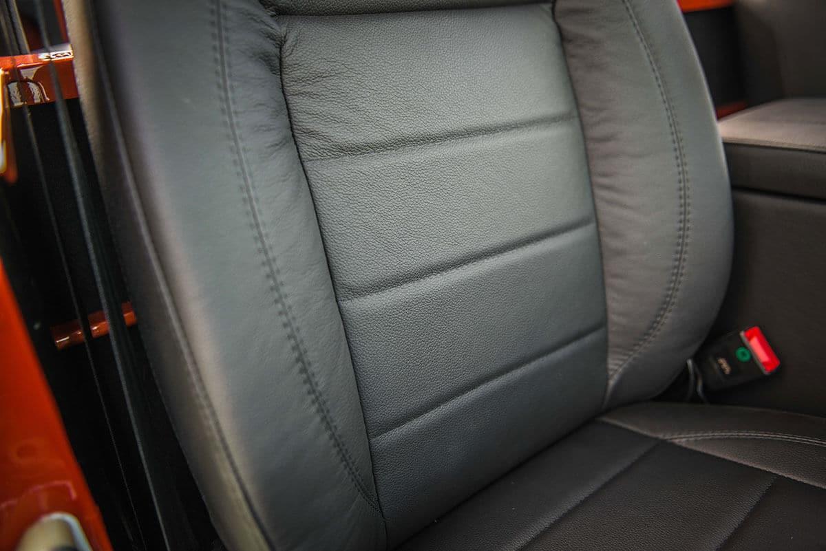 Land Rover Defender D90 Soft Top: Interior Front Seats