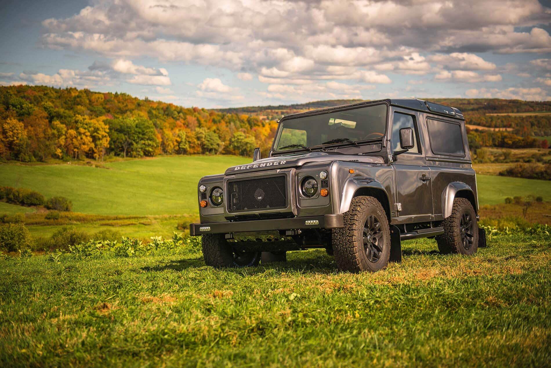 Land Rover Defender D90: Drone Shot 3/4 Front View