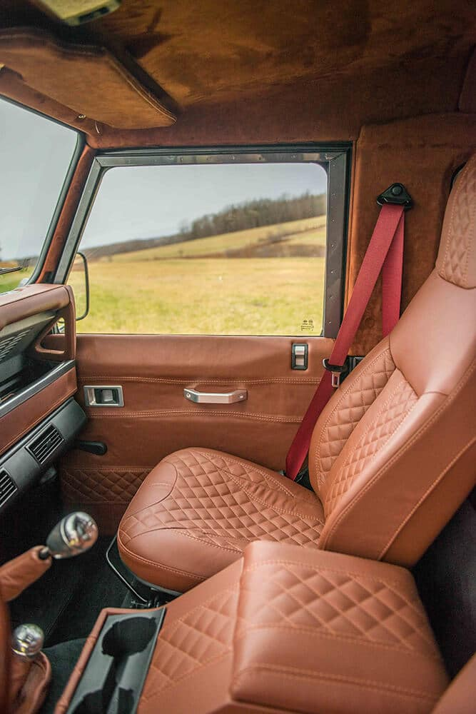 Land Rover Defender D90: Leather Front Interior