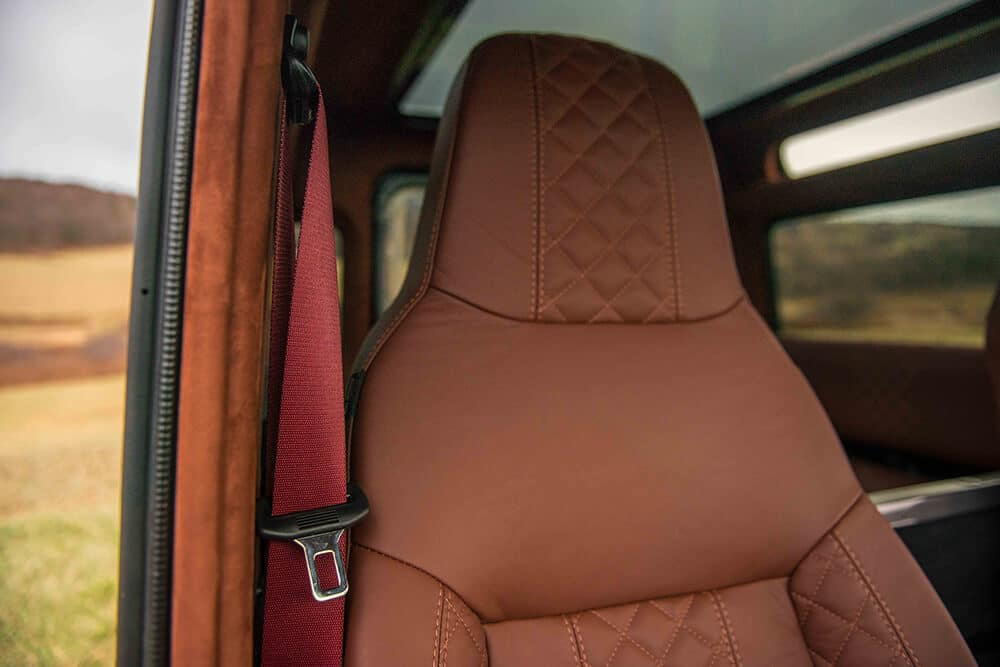 Land Rover Defender D90: Leather Front Seat