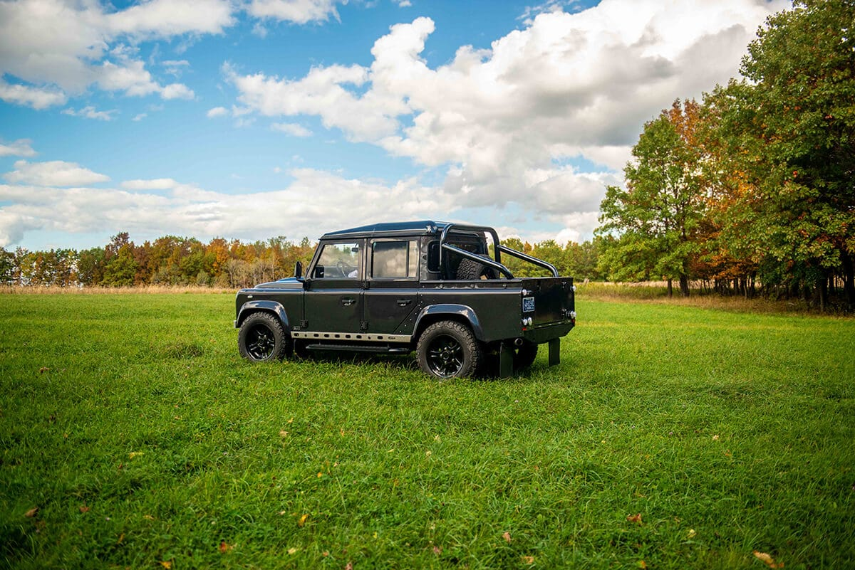 Land Rover Defender D110 Double Cab Bowler Bulldog: Exterior Driver Side View