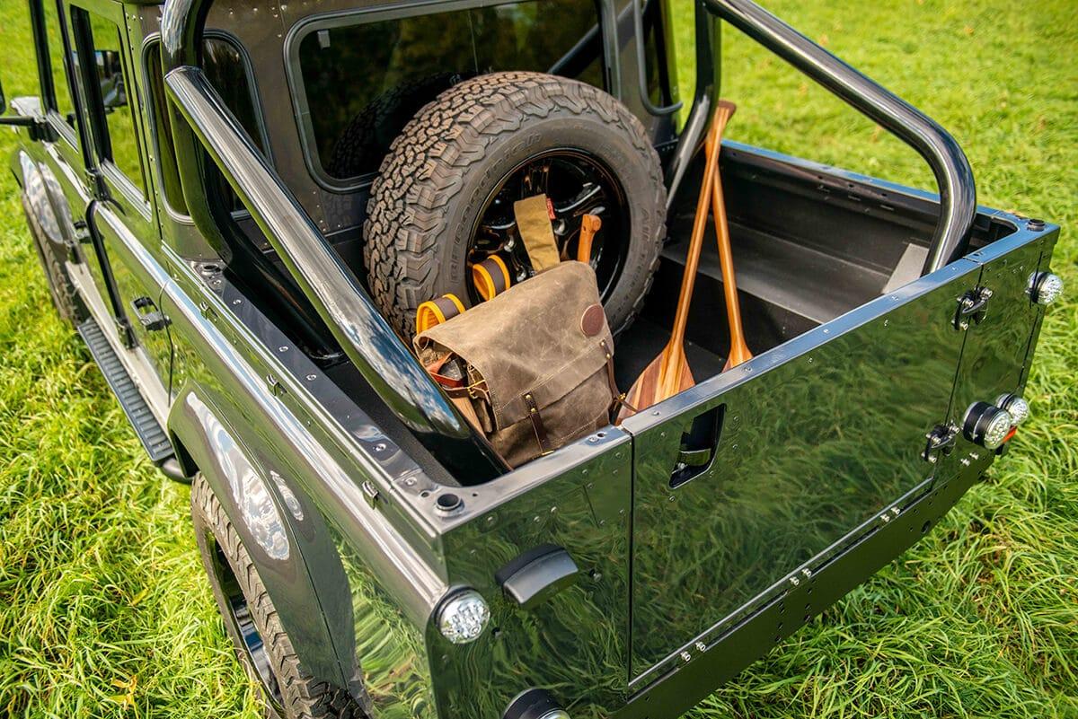 Land Rover Defender D110 Double Cab Bowler Bulldog: Exterior Rear View