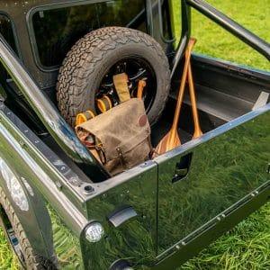 Land Rover Defender D130: Detail