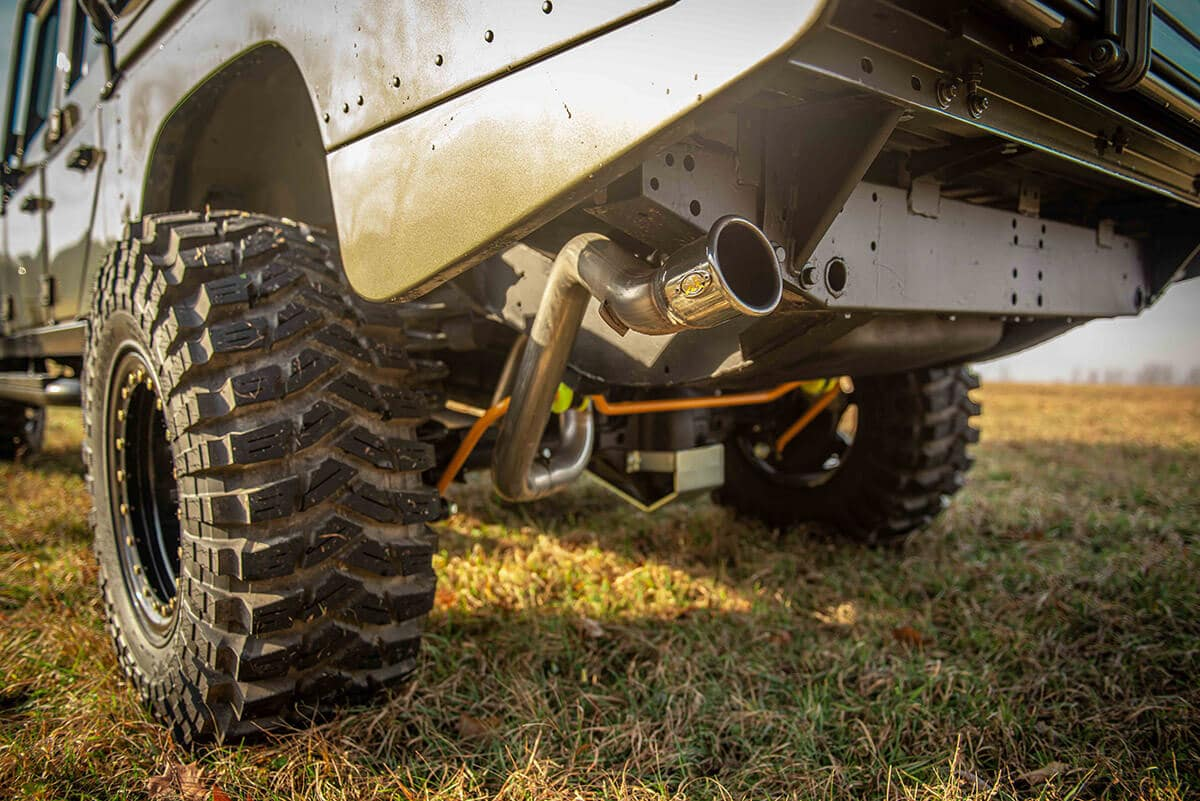 Land Rover Defender D130 Exterior: Exhaust Pipe