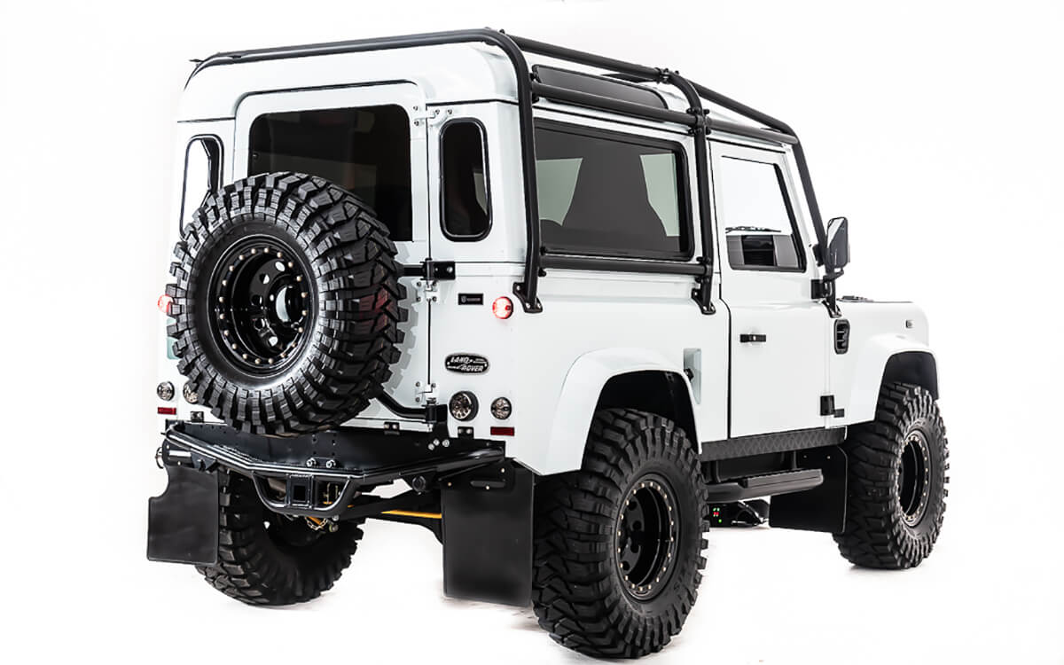 You're always also welcome to visit us in Sharon Springs, NY for an in-person design consultation to choose interior leather, tweeds and fabrics. Send this Defender to a friend and tell them it's time to visit Helderburg.