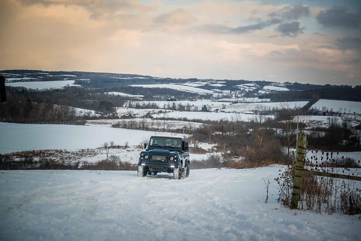 Land Rover Defender D90: Exterior