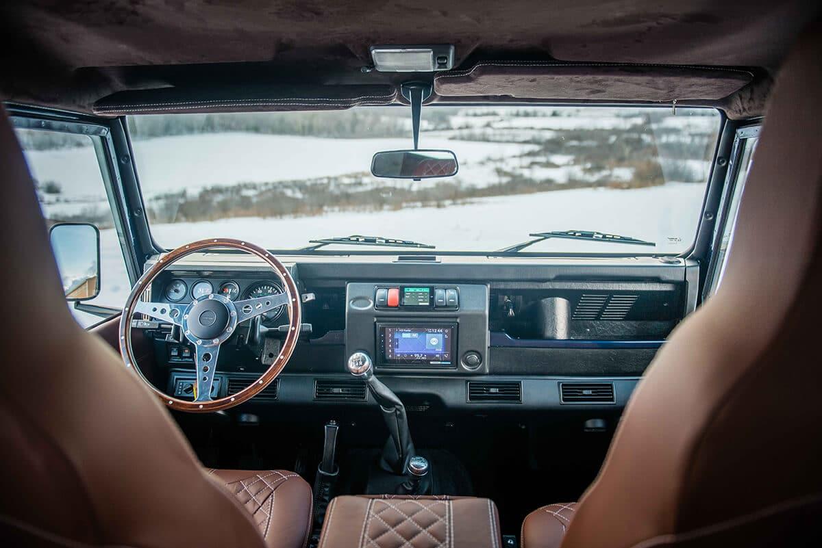 Land Rover Defender D90: Interior Detail