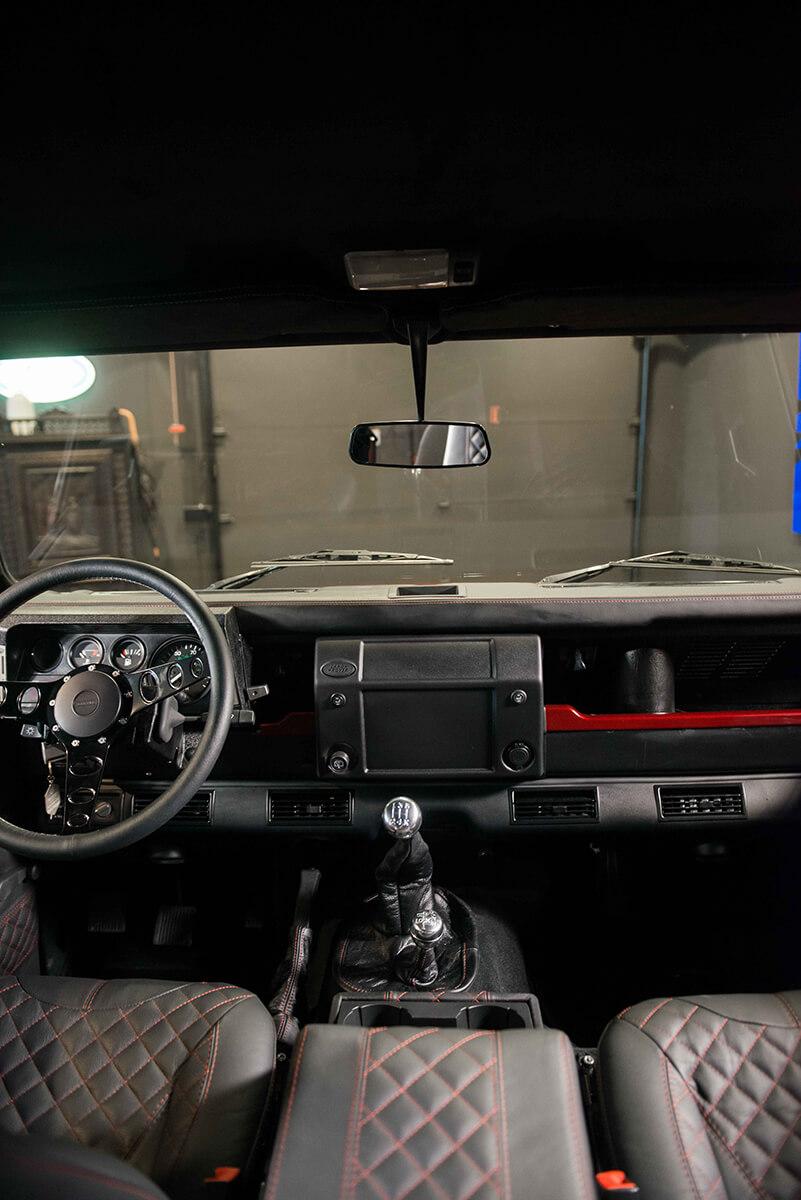 Land Rover Defender D110: Interior