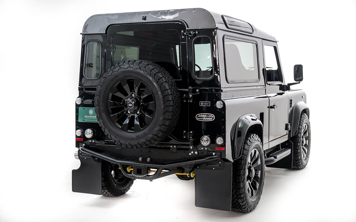 Helderburg Bespoke Defenders keep the purity of the original design but modernize them to provide comfort, reliability, technology and drivability.