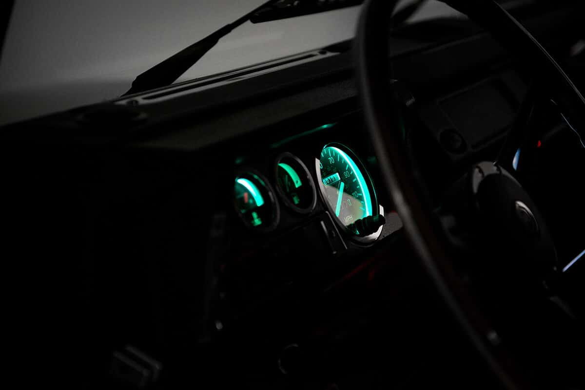 Performance Tuned Land Rover Defender D90: Interior Detail View - Car Play