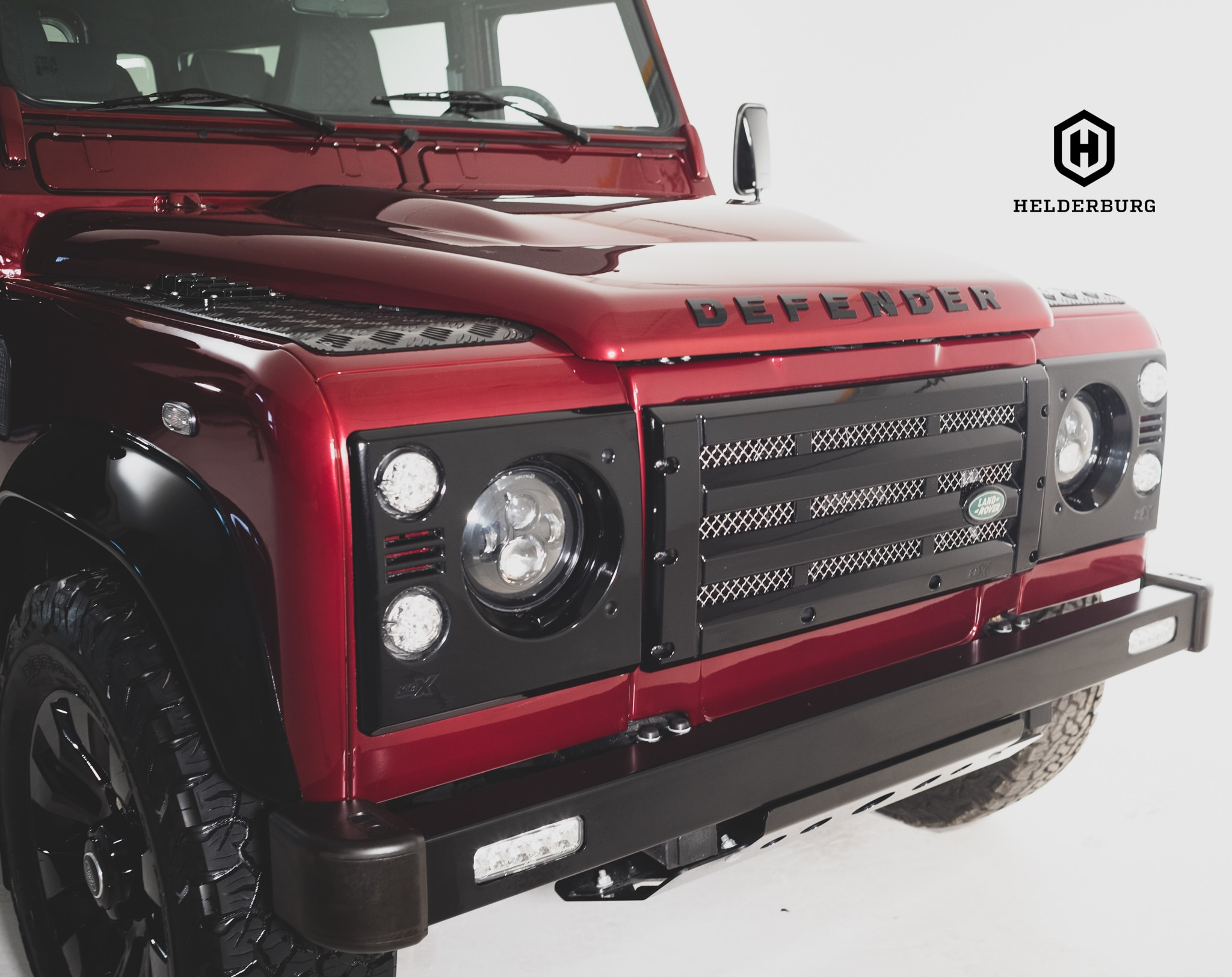 You can choose to have the chequer plate on top of the fenders and below the doors or not, What do you prefer the rugged look or would you rather see the Brilliant Helderburg Paint? Send this image to a friend and ask them.