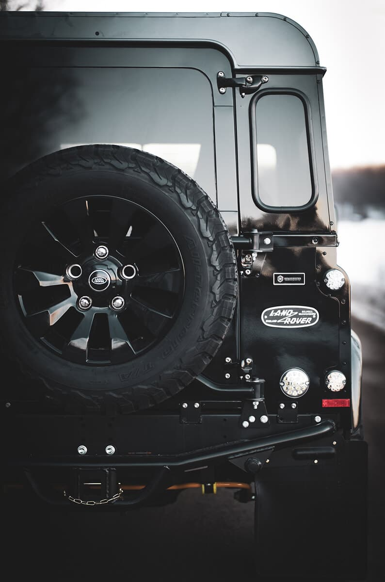 Helderburg Performance Suspensions eliminate body roll, make steering precise and handling a pleasure to experience. Helderburg Suspensions are the Benchmark when it comes to Defender Builders.