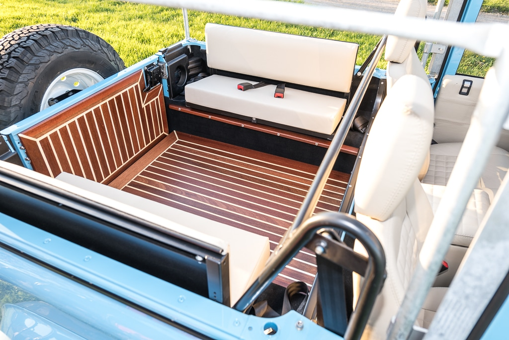 Helderburg Land Rover Defender D90 Mahagony Wood Floor