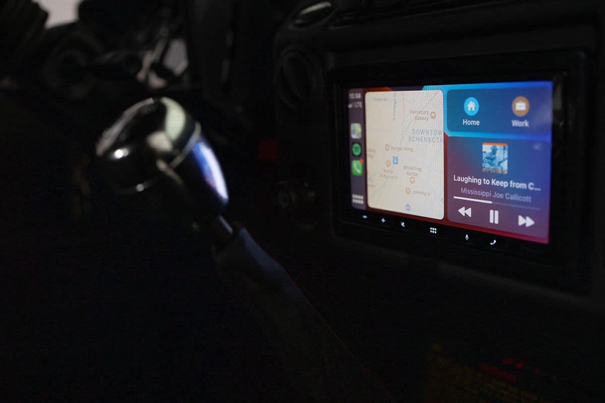 Helderburg Land Rover Defender D110 - Interior Details: Technology Panel